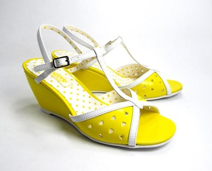 darla wedge sandal