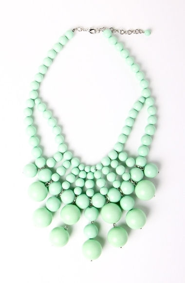 be baubled necklace mint