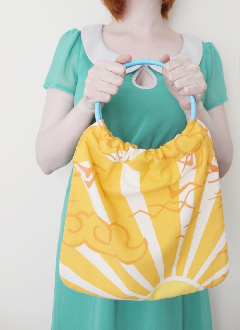 circular handle bag 3