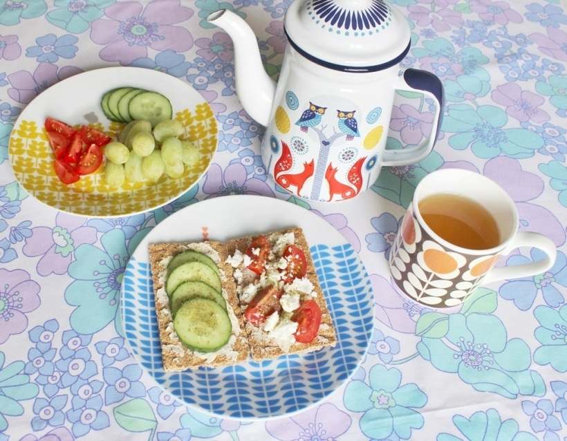 Chiaki Creates - My Morning Routine And Gorgeous Retro Tableware chiakicreates.com